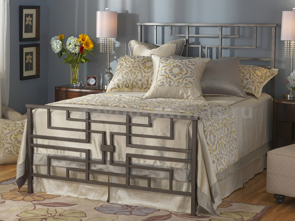 Кровать в стиле лофт из металла и дерева