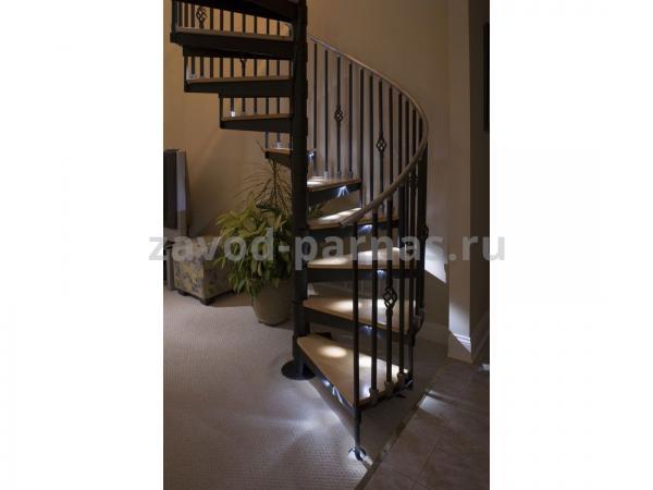 Интерьерная лестница на второй этаж винтовая