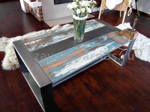 Журнальный столик лофт металлический с деревом