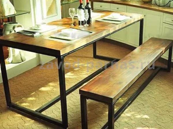 Обеденный стол в стиле лофт из металла и дерева